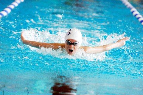 Patrick Toth i Lambertseter Svømmeklubb fosser her inn til ny personlig rekord i OI Open på Norges idrettshøgskole. KLIKK PÅ BILDET FOR Å SE NESTE BILDE