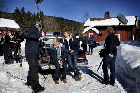 JULAFTEN I MARS: Deler av episode 24 i adventsserien «Julekongen» filmes på location i Bærumsmarka.135 opptaksdager er satt av til storproduksjonen. Foto: Thea Grav Rosenberg