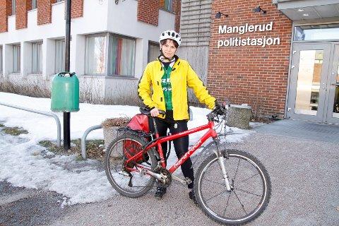 Hanne Elby (SV) mener Demokraten-redaktør Tomm Pentz Pedersen legitimerer hat og oppfordrer til drap på syklister og gikk onsdag til anmeldelse ved Manglerud politistasjon.