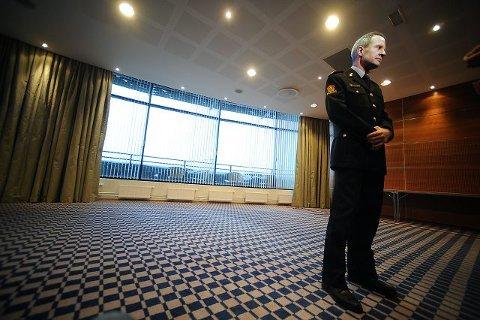 Politimester Arne Jørgen Olafsen må kvitte seg med rundt 15 årsverk i løpet av året for å få et knalltøft budsjett til å gå i balanse. FOTO: OLE KR. TRANA