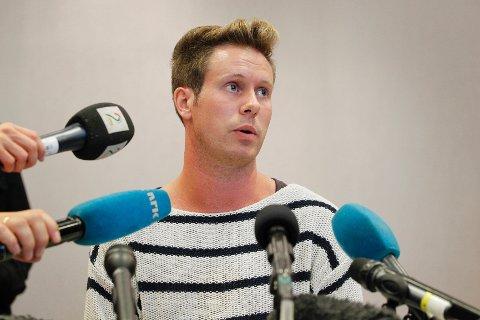 AUF-leder Eskil Pedersen holdt pressekonferanse på Sundvollen.