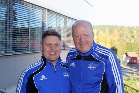 Anders Thomsen og Oppsal skiller nå lag. Her er dansken avbildet sammen med styreleder Bjørnar Allgot etter at samarbeidet ble avsluttet onsdag ettermiddag.