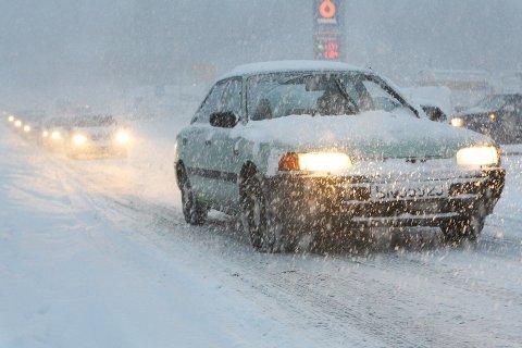 - Den første snøen kommer alltid som julekvelden på kjerringa, mener Fredrik Lillegård i Statens vegvesen.