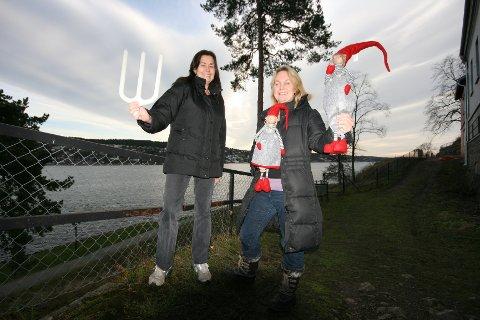 Ingvild Elvebråten (t.h.) og Gry Marie Frydenberg gleder seg til neste søndag, og håper at så mange som mulig tar turen for å få med seg litt av den gode førjulsstemingen på Oscarsborg.