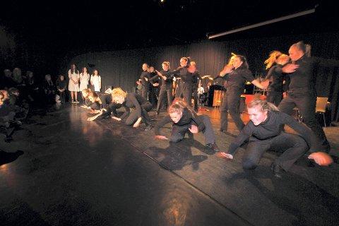 Du kan lære deg å danse Line Dance på Mosseskogen Vel.