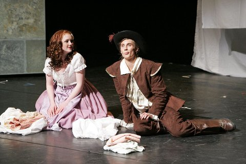 KJÆRLIGHETSHISTORIEN: Sofie «Constance» Løvstakken og Joakim H «d'Artagnan» Ousdal fant tonen på scenen i Kolben.