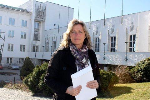 LEDER KRISETEAMET: Kristin Nilsen er leder for kriseteamet i Bærum kommune som bistår brannofrene på Rykkinn. FOTO: RICHARD SVEAAS DALE