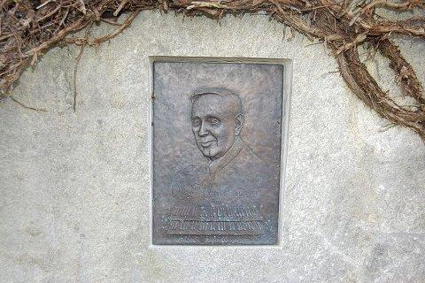 ODD J. UNHAMMER