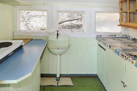 Kanskje ikke helt siste standard, dette kjøkkenet som du betaler 300.000-400.000 kroner for ...