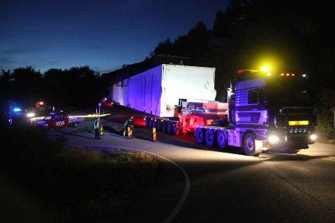 Transporten fra Gismarvik til Kårstø gikk knirkefritt i natt.