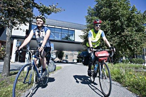 : Simen Simensen og Kjetil Telnes sykler fra Kolbotn til Berlin. Foto: Ole Kr. Trana