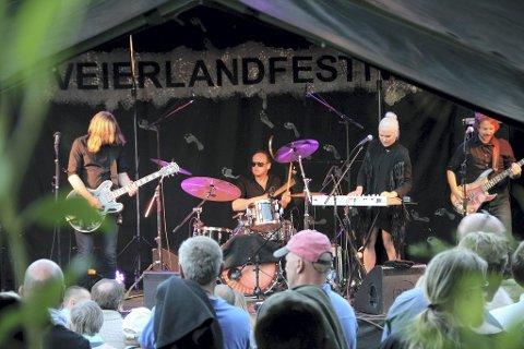 GOD STEMNING: For mange var nok Eva & the Heartmaker et av festivalens høydepunkt.Alle foto: Helén Skevik Rønning