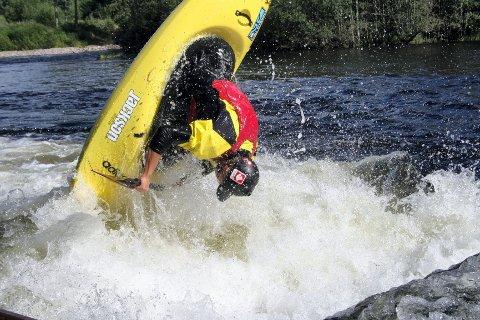 Jonny Haugen (23) sikret seg sitt aller første NM-gull i freestyle-padling i helgen.