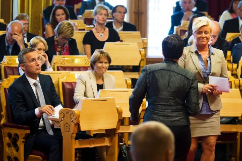 – Jeg er glad for at statsministeren beklaget, det var det helt nødvendig å gjøre, sa Frp-leder Siv Jensen under statsministerens redegjørelse i Stortinget tirsdag.
