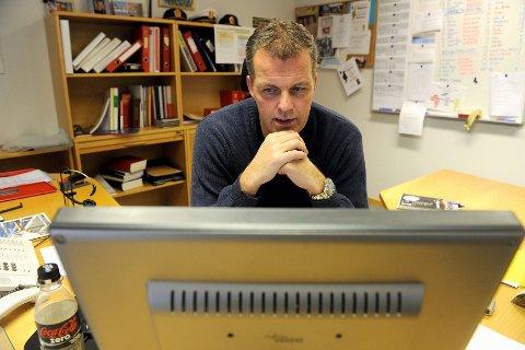Svindlerne var aktive også i våres. Lars Reiersen ber folk være på vakt.