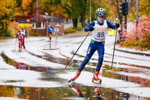 Lars (12) med en klar ledelse midtveis i finalen. Han holdt ledelsen inn til mål og vant komfortabelt.