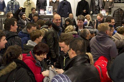 TRANGT OM PLASSEN:  Norwegian Outlet satte besøksrekord og butikkene hadde en omsetningsøkning på rundt 25 prosent under fredagens Black Friday. FOTO: PRIVAT