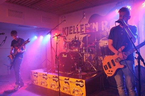 INTIMKONSERT: The V.I.P's spilte på en av de mindre scenene lørdag kveld. FOTO: NORA SHIKOSWE HOUGSNÆS