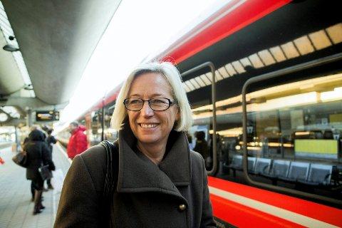 Samferdselsminister Marit Arnstad (Sp) er tydelig på at Steinberg stasjon skal gjenåpnes i 2014. ARKIVFOTO