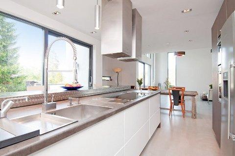 Kjøkkenkomponenter og materialvalg er fra øverste hylle.