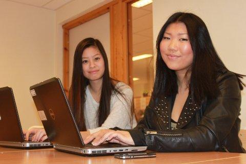 Julia Ngo (til venstre) og Ingvild Fredvang er bloggere og må skatte av det de tjener på bloggene sine.