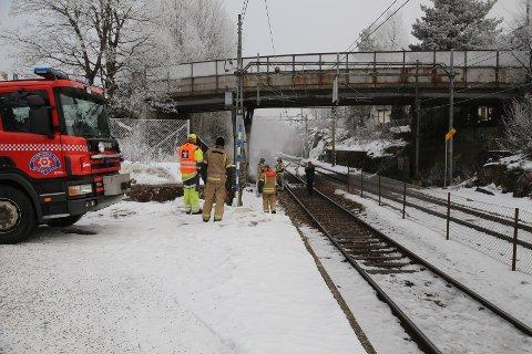 Brann i sporveksler i Oppegård stanset all togtrafikk mellom Ski og Kolbotn.