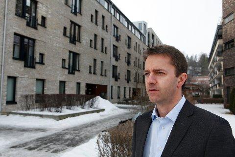 Handelsbankens Glenn Steinbø uttrykker bekymring over hvordan et for høyt rentenivå kan utvikle seg på sikt.