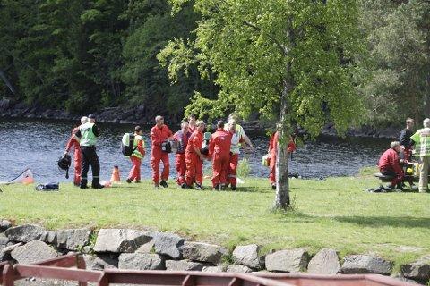 En livløs person ble hentet opp av vannet i Trollsvann.