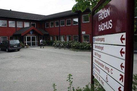 Manntallslistene er lagt ut i Rådhuset i Drøbak og hos Frogn bibliotek. Fra 6. August vil de også være tilgjengelig på Dal skole.
