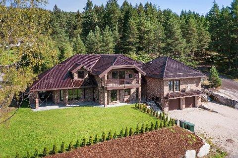 Huset ble solgt for 150.000 kroner over prisantydningen.