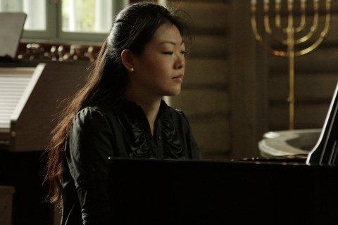 Det handler om teknikk og om gode formidlingsevner når Frans Liszt verker skal spilles. Jie Zhang innehar de begge.
