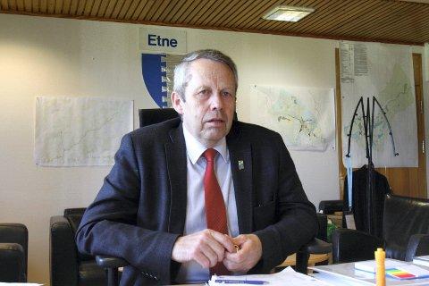 Sigve Sørheim ble ordfører i Etne i 2007. Etter to perioder på toppen i Etne, har han besluttet å gi seg.