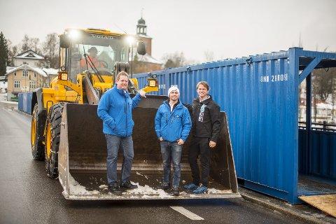 Jobben har startet: Fra venstre: Roger Kjenås, Magnus Askeland og Olav Bjella Stavn. Foto: Bjørn Isaksen
