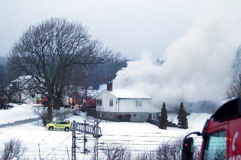 Det har vært svært stor røykutvikling i huset langs Langhusveien.