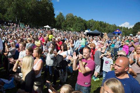 Hvalstrandfestivalen ble en folkefest da den for første gang ble arrangert i fjor. Nå er nye artister klare.