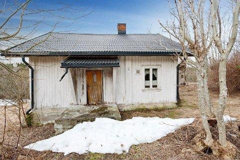Dette småbruket i Bødalen ble solgt for nesten én million kroner over prisantydningen, til tross for dårlig forfatning på bygningene på eiendommen.