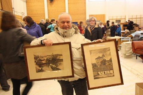 FORNØYD SAMLER: Jon Fluson fant to bilder med Oslo-motiver til samlingen sin.