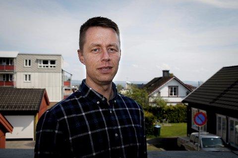 GEIR AKER: Avdelingslederen i NAV Horten forteller at hensynet til personvern står særdeles sterkt. foto: jesper nordahl finsveen