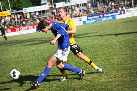 MFK skapte flere store sjanser og scorte to mål, til tross for at de hadde en spiller utvist, men det holdt ikke helt inn.