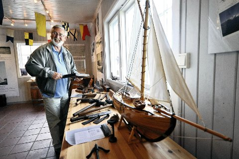Sjefen: Birger Hekkelstrand i sitt paradis hvor alt er gammelt. – Dette er kystkulturhistorie, sier han. Alle foto: Amund lågbu
