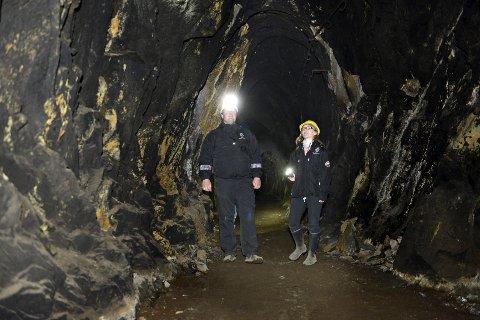 MULIG LOCATION? Foreløpig har ikke Halvor Sælebakke og Tina Rigby Hanssen fremstått skumle nok til en skrekkfilminnspilling i gruvene.