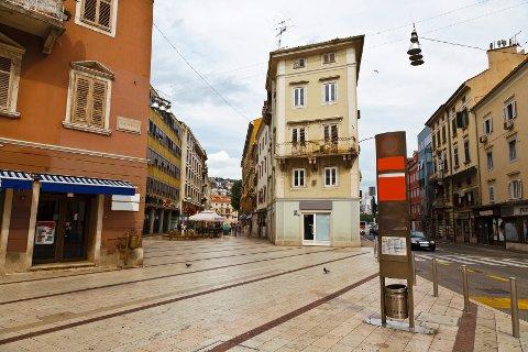 Det var på et gangfelt 50-åringen ble påkjørt. Her fra Rijeka hvor ulykken fant sted. Dette området har ingenting med ulykken å gjøre.