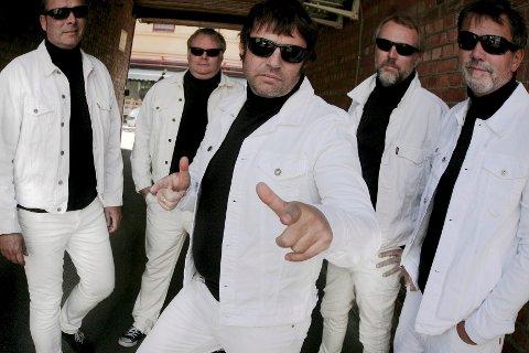 Mossebandet The Cosmic Dropouts spilte sin siste konsert i 1994. Lørdag er de tilbake på scenen - i Danmark.