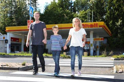 BER OM BESKYTTELSE: – Senk fartsgrensen til 40 og bygg opphøyd fotgjengerfelt, ber Noahs foreldre.