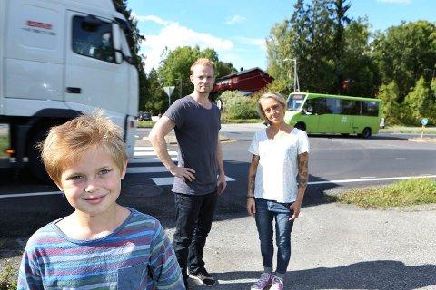 MYE BEDRE: Noah Lövius Sandberg tilbragte sommeren i rehabilitering, men har nå begynt i fjerde på Heggedal skole, nesten helt frisk.