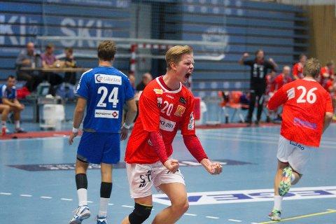 Stian Gabrielsen og resten av Follo HK vant toppoppgjøret med fem mål.