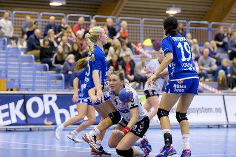 Brynja Magnusdottir scoret sju ganger i Levanger. Her er hun i aksjon i et tidligere oppgjør, mot Byåsen.
