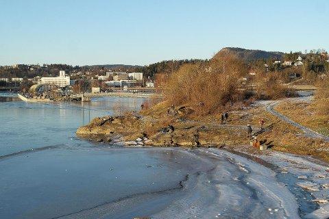 NÆR VANNET: Først en runde på Kalvøya, så en tur langs Engervannet gir en god turdag i Sandvika-området.