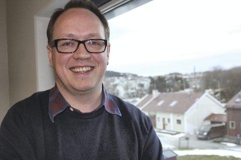 TEATERSJEFEN: Erik Schøyen er spent på mottakelsen når «Grease» har premiere 29. januar i Festiviteten. Foto: Roar Eskild Jacobsen