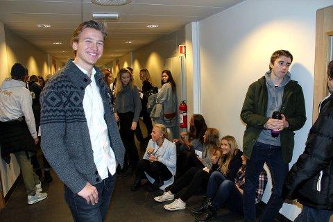 SKIFTET KURS: Tidligere Eikeli-elev Simen Standahl holdt foredrag på karrieredagen.